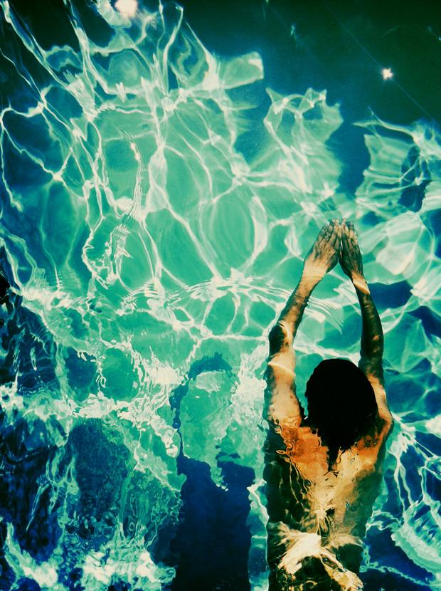 justina-blakeney-pool2