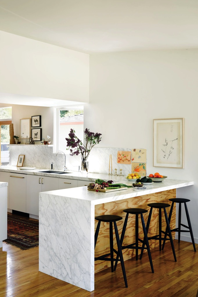 2-Le-Fashion-Blog-Fashionable-Home-Jessica-De-Ruiter-Mid-Century-Modern-Silver-Lake-Marble-KitchenVia-C-Home