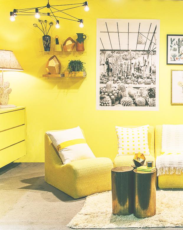 Living-Yellow-13web