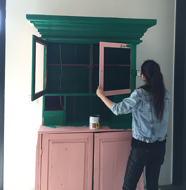 painting-the-hutch3