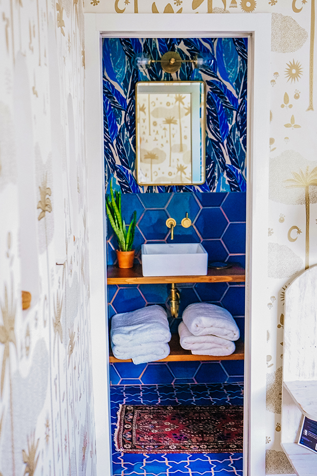 Justina-Blakeney-Bathroom-12